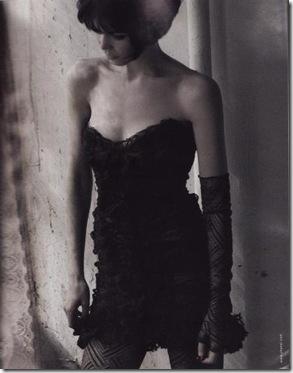Claudia Schiffer Chanel