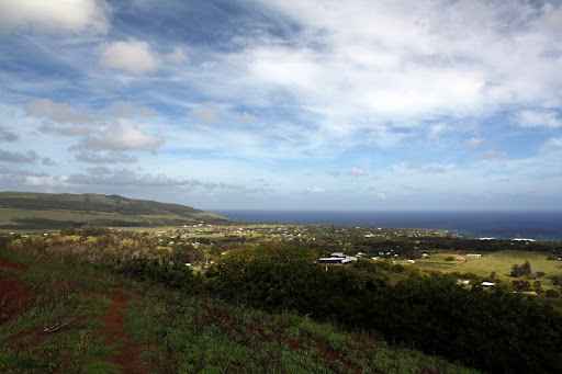 Hanga Roa seen from Puna Pau