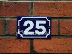 ist2_424002-house-number-25