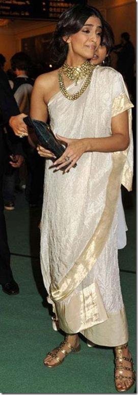 Sonam Kapoor badly dressed