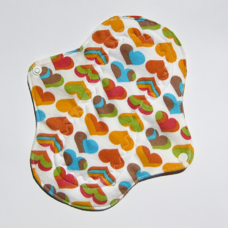 Kiki Pads Petite Liner, Rainbow Hearts Print