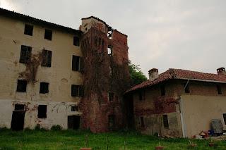 Il castello di vettign santhi e la sua storia - Castello di casanova elvo ...