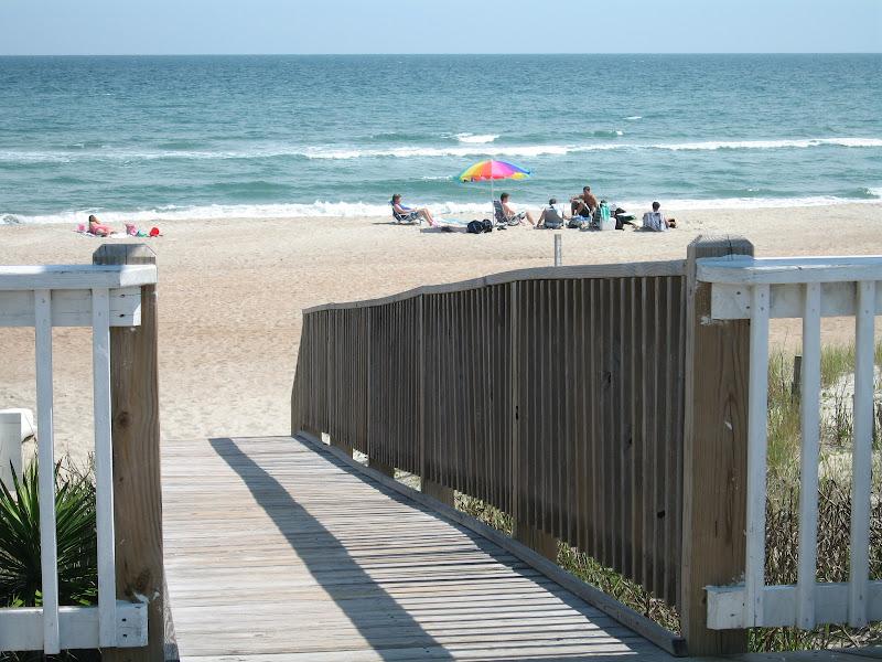 beach - Spinnakers Reach at the beach - Emerald Isle North Carolina