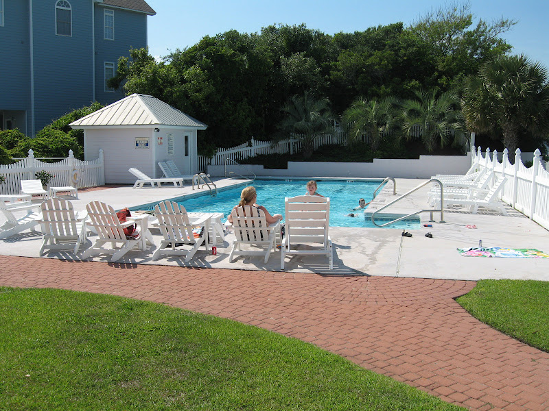 pool - Spinnakers Reach at the beach - Emerald Isle North Carolina
