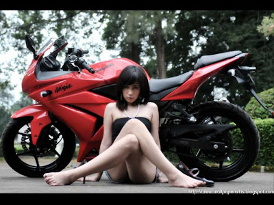 sexy girl and    motorcycle Wallpapers