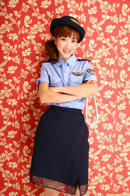 星野亞希爆乳警官小姐制服寫真照片15