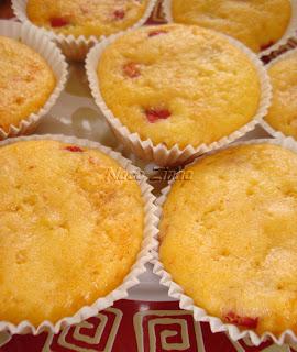 http://lh4.ggpht.com/_T6_1mdo7FfE/Swbfshdj41I/AAAAAAAADjM/bc3SKC5Yo6U/s400/muffin_pitanga3-naco.jpg