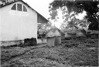 Naniefongo-train-station-northern-Ivory-Coast-1967.jpg