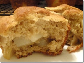 cinnamon pear muffin