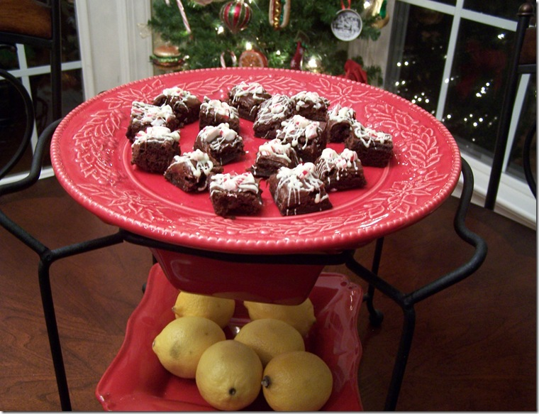 Peppermint Brownie Bites 022