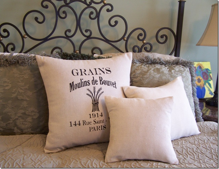 French Pillow 035