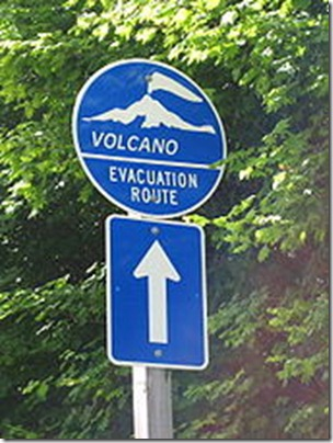 Volcano_evacuation_route_sign