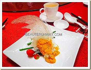 Old Hong Kong Legend Lobster in Pumpkin Egg Yolk Sauce 流沙南天龙虾球