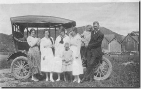 Fred Blackburn and family 1916