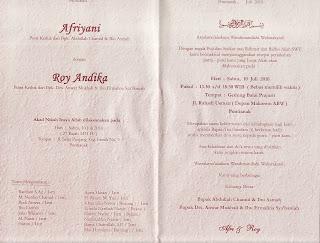 contoh desain undangan pernikahan cover dalam