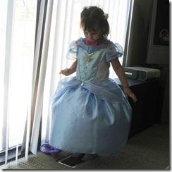 Gwen-Cinderella-dress-002