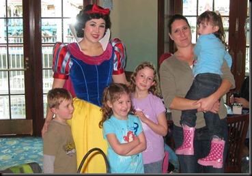 Christmas-in-Disneyland-077