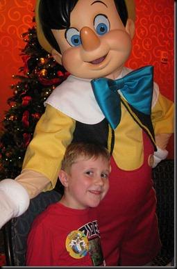 Christmas-in-Disneyland-031