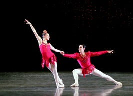 Jennifer Kronenberg & Renato Penteado(2) in Rubies- Photo by Joe Gato