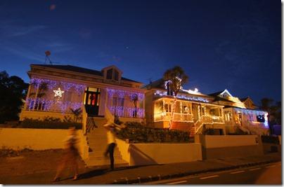 Auckland Residents Celebrate Festive Period FYCV5vh4t66l
