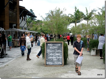 Pine Harbour market