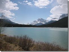 random lake along icefield parkway photo 9
