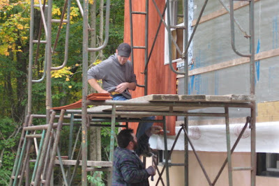 Hank monkeying around on the scaffold.