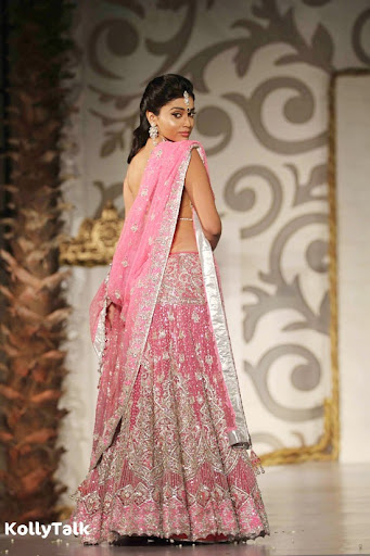 Shriya Saran Ramp Walk Stills 2