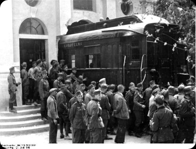Bundesarchiv_Bild_146-2004-0147,_Waffenstillstand_von_Compiègne,_Waggon