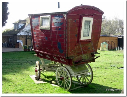 An old gypsy caravan in a bit of a delapidated conditon at Stone Crouch Cottage.
