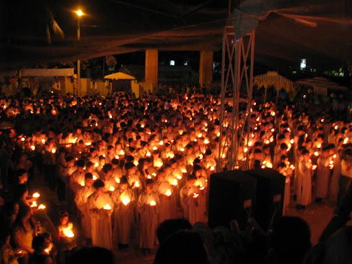 Chùm ảnh: Hương hội hè - Đêm hoa đăng hướng về cội Nguồn