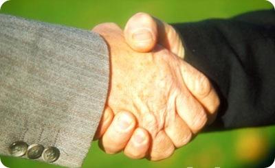 04_03_5---Shaking-hands_web