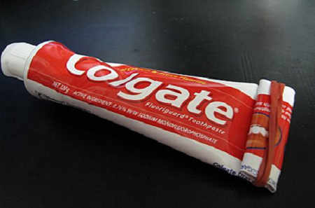 牙膏 Toothpaste