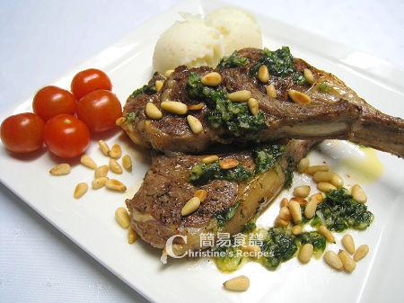 煎羊扒配蒜蓉牛油汁 Lamb Cutlets with Garlic Butter Sauce