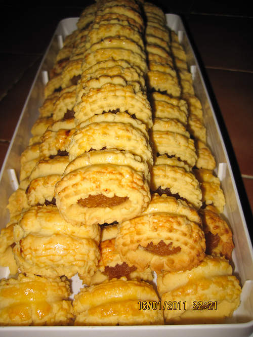 Pineapple Roll Tarts