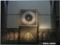 聖母百花大教堂巨型壁鐘