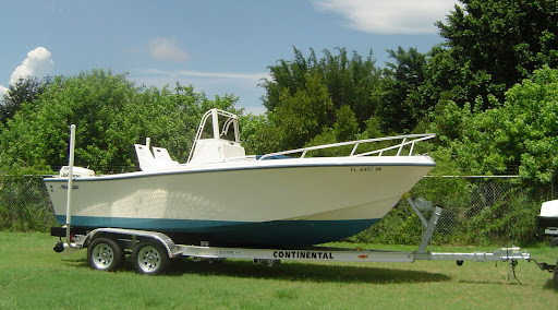 1994 20' MAKO 201 CENTER CONSOLE WITH 150 H.P. JOHNSON OCEAN RUNNER (TRAILER ...