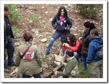 Un momento de la actividad de campo en la finca 'La Garganta', en plena Sierra Madrona.