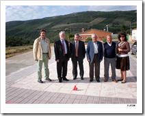 El director general de la Presidencia de Castilla-La Mancha, Luis Miguel Maza, durante su visita a la pedanía Valdeazogues de Almodóvar del Campo.