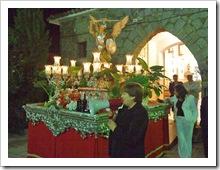 Momento en que la imagen de San Miguel parte, este pasado martes día 29, en procesión.