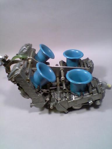Honda RC 30 Image17