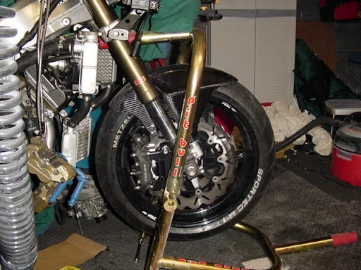 Honda RC 30 Image12