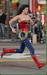 Mulher-Maravilha-uniforme-alterado-30mar2011-07