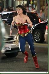 Mulher-Maravilha-uniforme-alterado-30mar2011-11