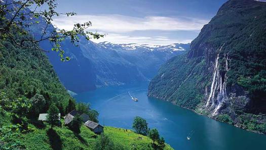 geirangerfjord_norway_740x33.jpg