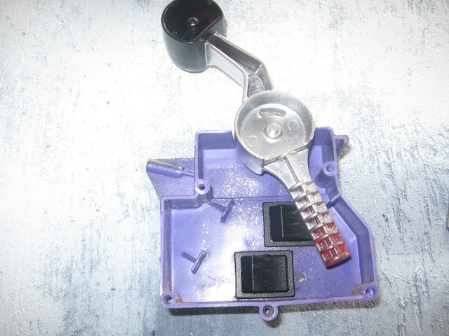 shifter throttle pedal and electrical components 12v power wheels shifter from top cover removed