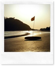 red-flag-palolem-beach-south-goa-india