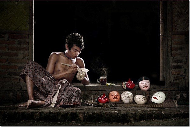 The Theatrical Dance Mask Maker