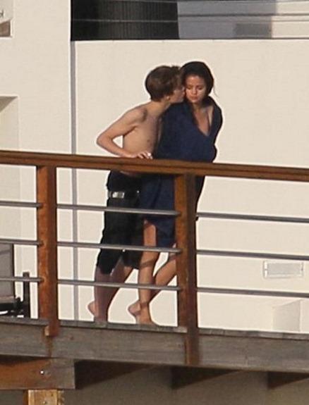 Selena y Justin beso1