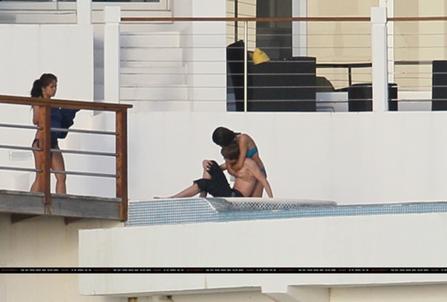 Justin Bieber y Selena Gomez Besandose-juntos1